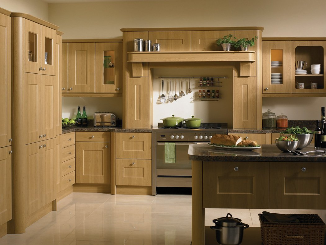 Lissa Oak Cambridge Kitchen